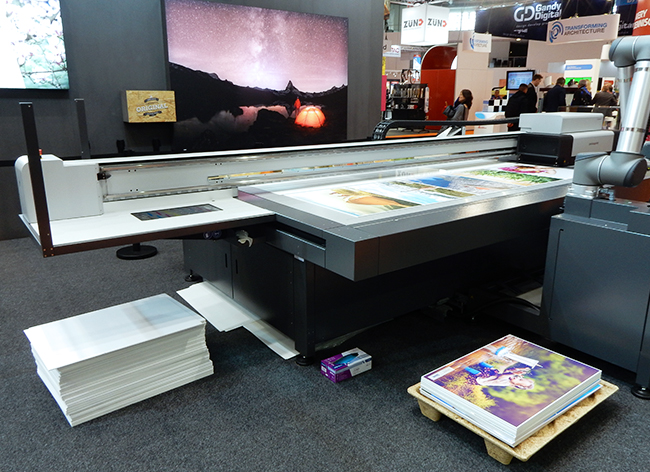 swissQprint_Impala_booth_UV_8763