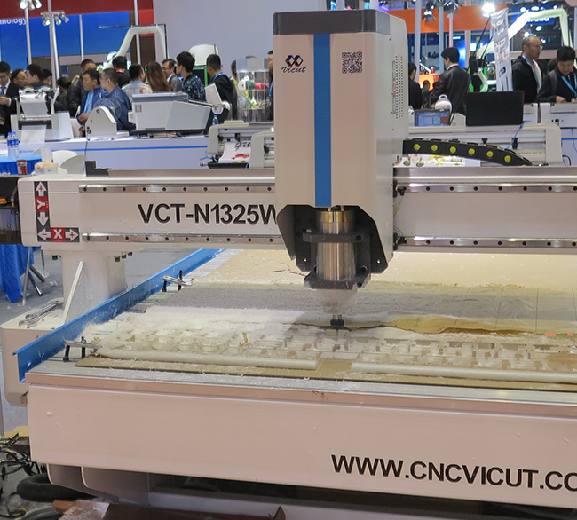 CNC-router-flaar-reports_applications-acrylic