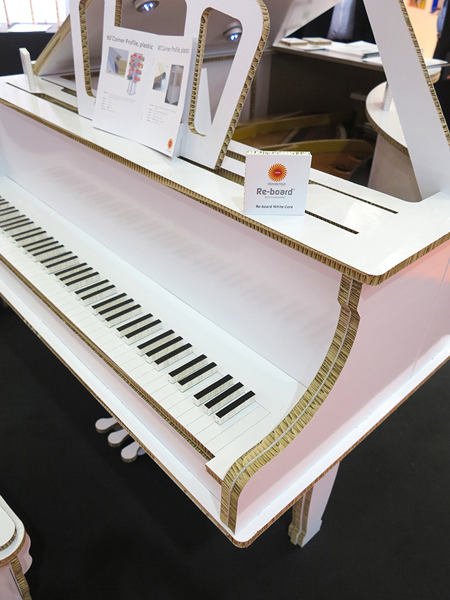 Storaenso-Re-board-cardboard-honeycomb-board-piano_media-sample-application-6799