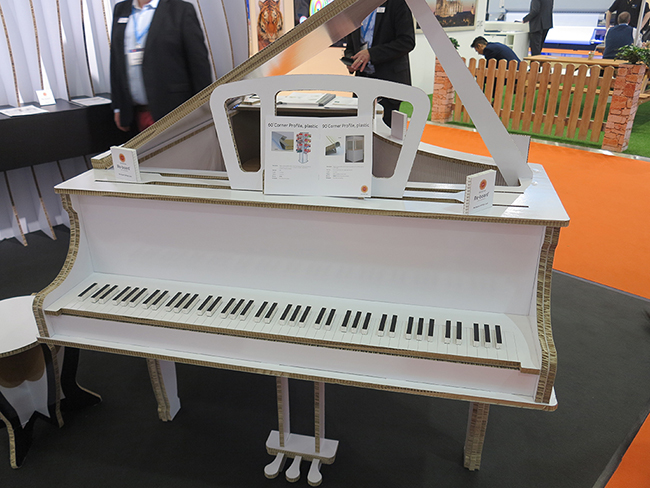 Storaenso-Re-board-cardboard-honeycomb-board-piano_media-sample-application-6800