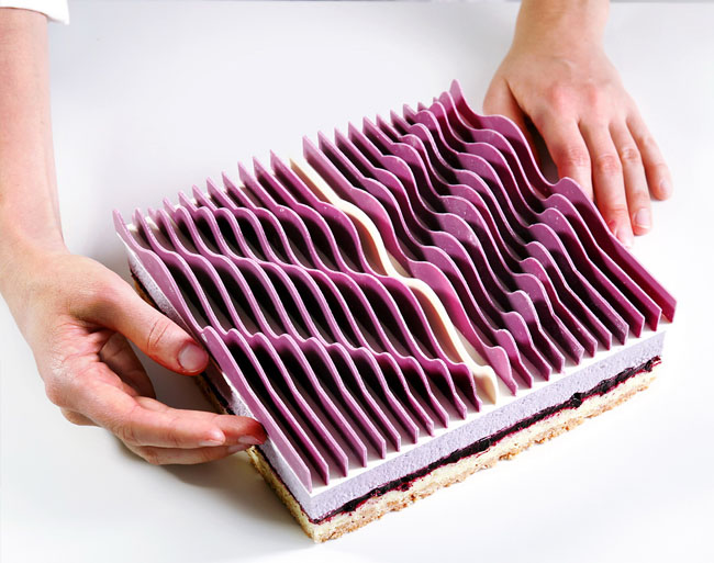 Geometrical kinetic tarts by Dinara Kasko in collaboration with José Margulis. Photo courtesy of www.dinarakasko.com